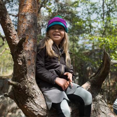 Girl climbing tree 400 x 400