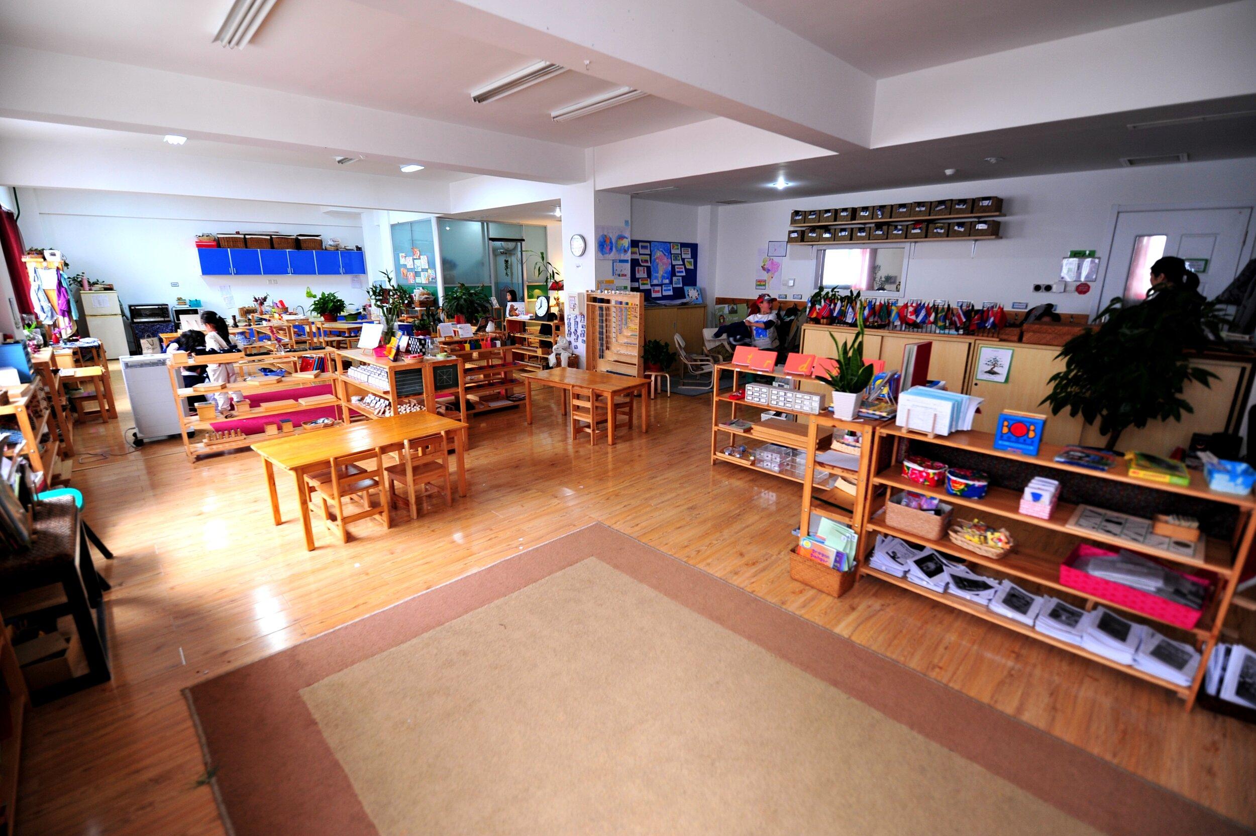 A typical Montessori classroom   Source: Natalie Cho, WikiCommons