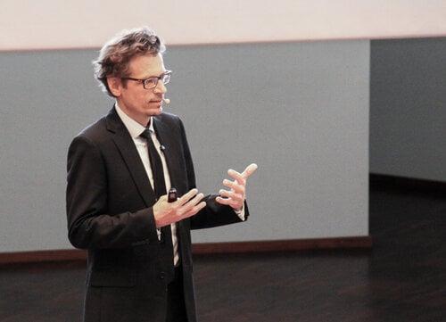 Professor Lasse Lipponen