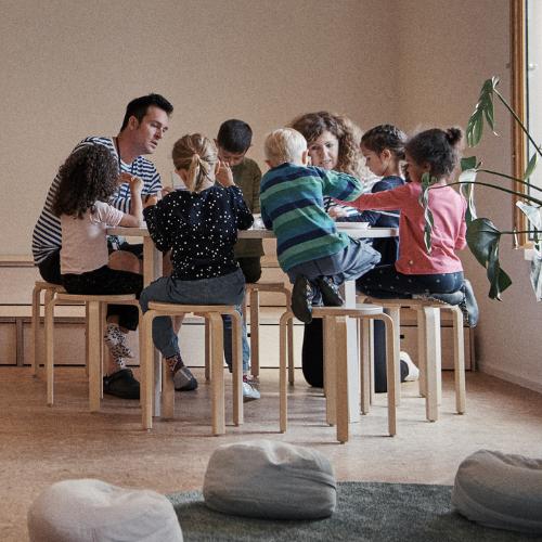 kids around table square 500x500