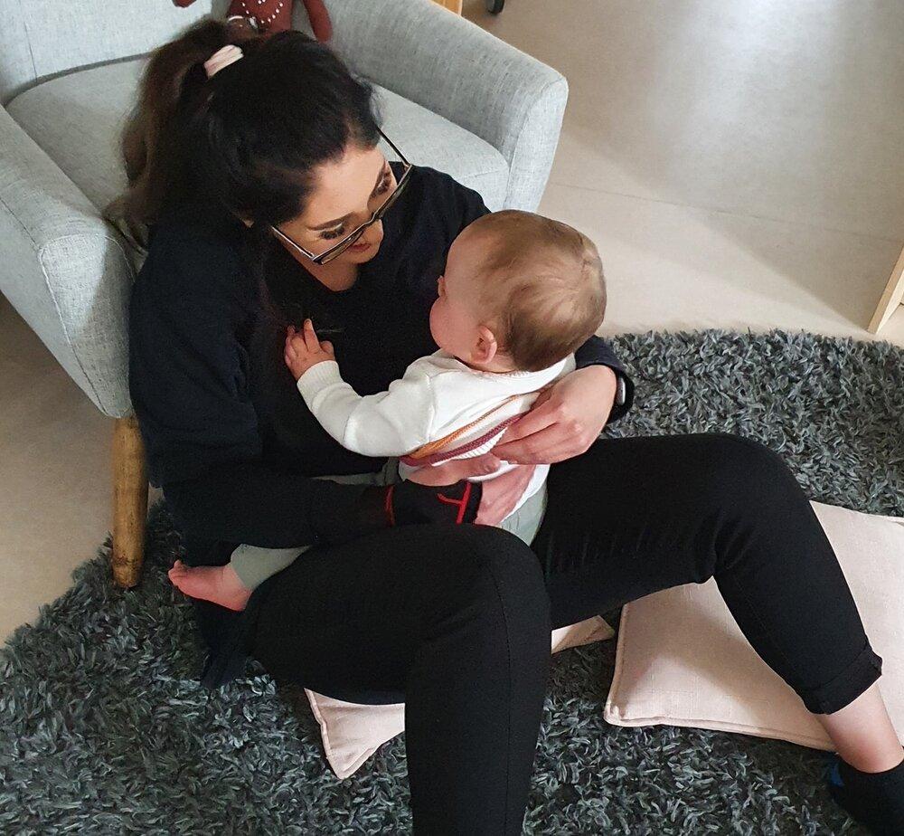 teacher+and+baby+cuddling